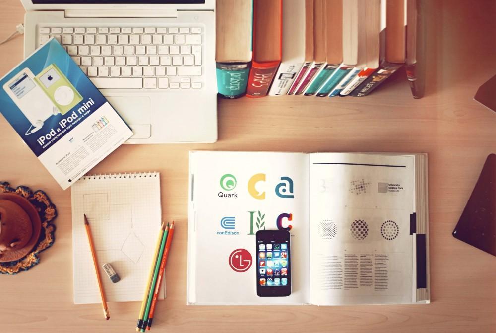 Organize suas ideias - imagem mesa de trabalho organizada